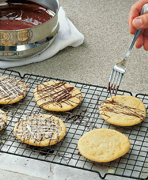 Tips-Fork-to-Decorate-Cookies