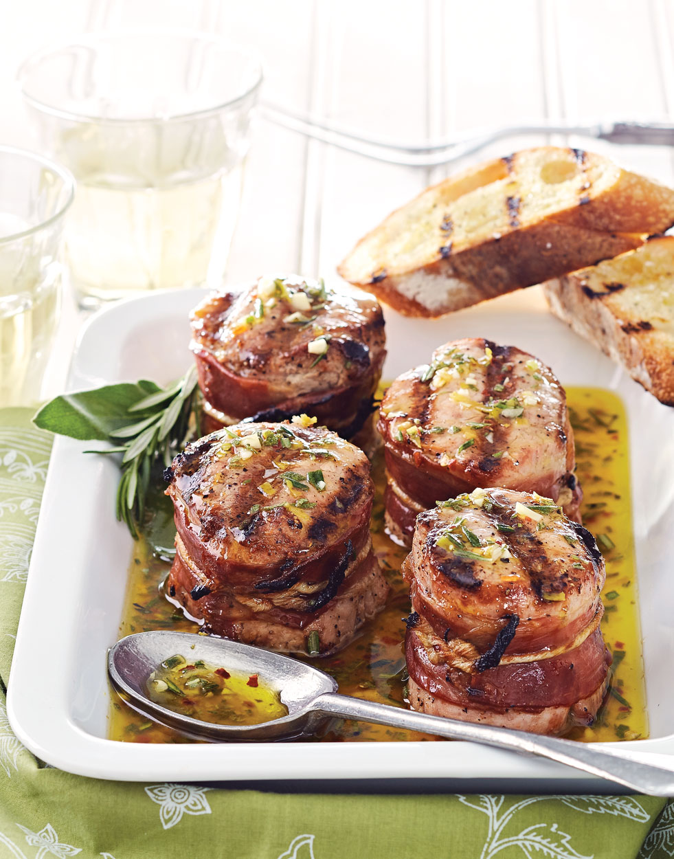 Prosciutto Wrapped Pork Medallions With Fiorentina Sauce Recipe