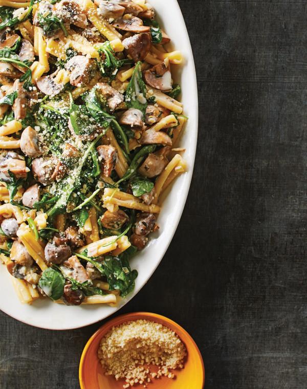 Creamy Mushroom Pasta with baby kale