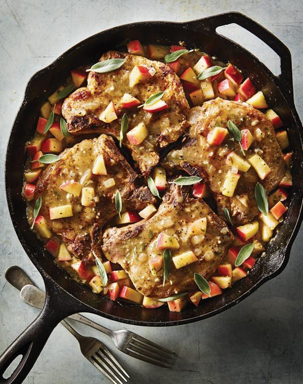 Skillet-Fried Pork Chops with apple sauce