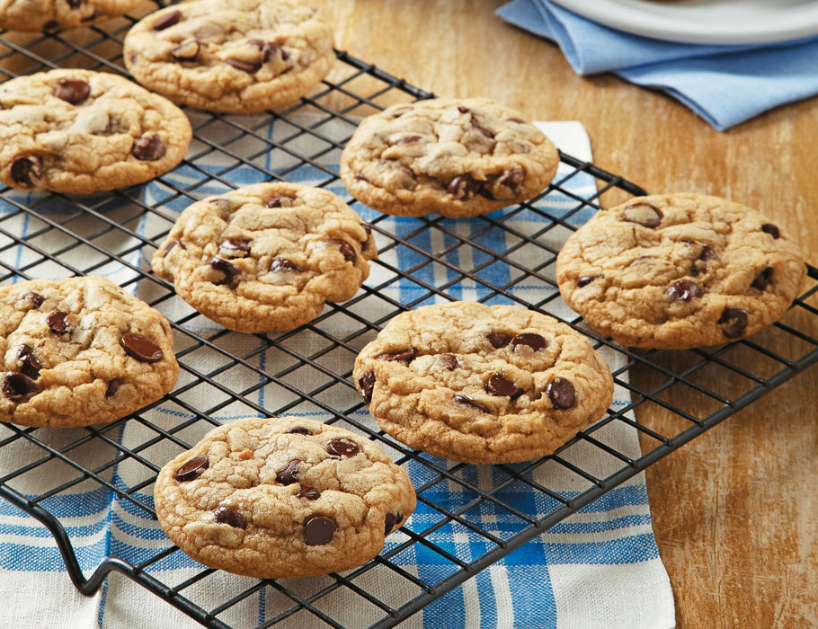 Article-Secrets-of-the-Best-Chocolate-Chip-Cookies-Lead