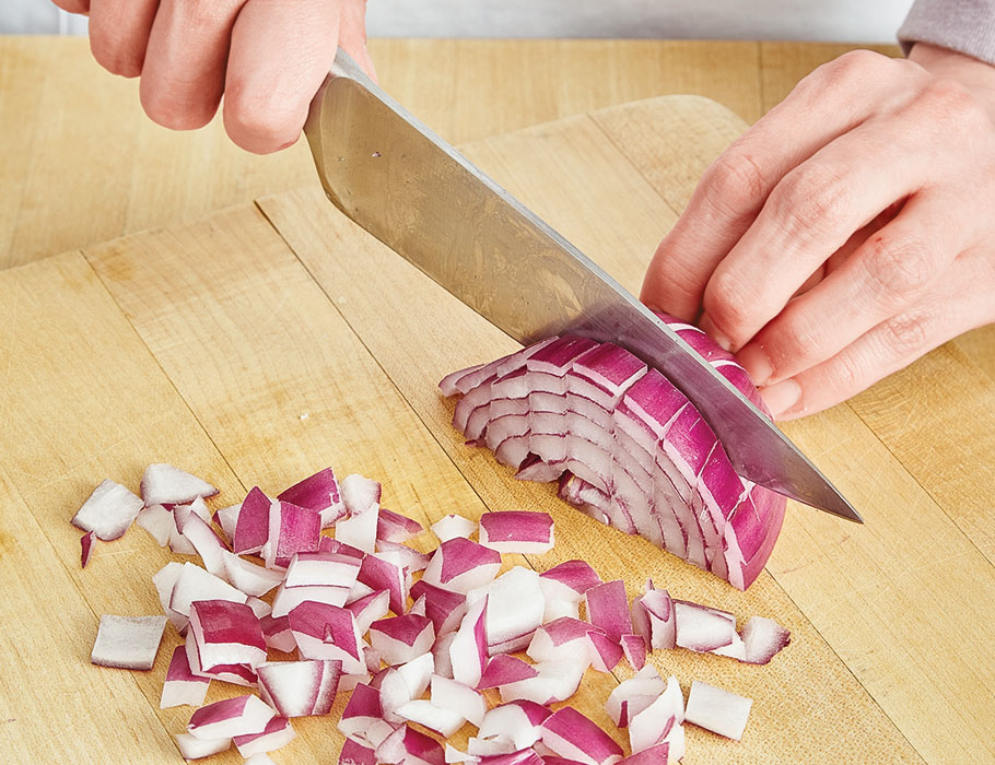 Article-How-to-Cut-Onions-InarticleDicing3