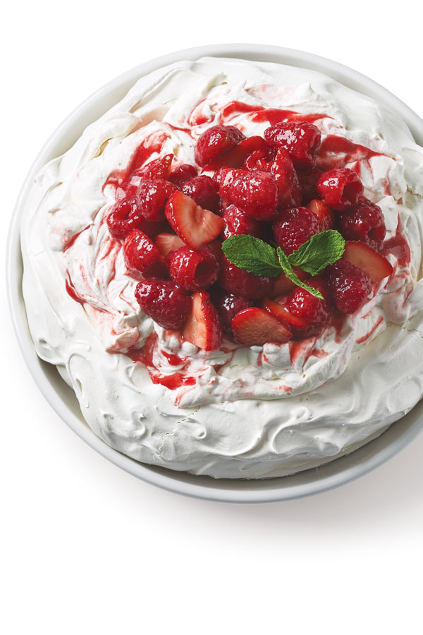 Pavlova-with-Red-Berry-Sauce-Pinterest