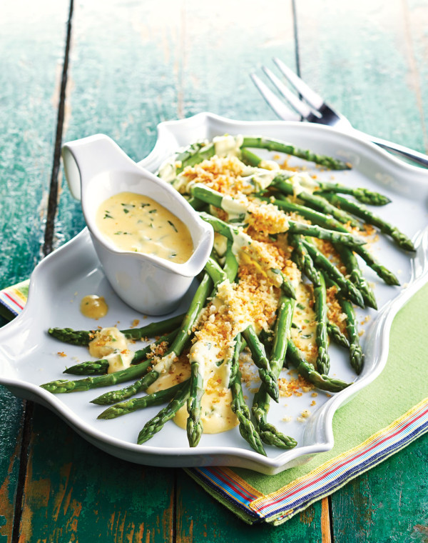 Blanched Asparagus with Mousseline Sauce