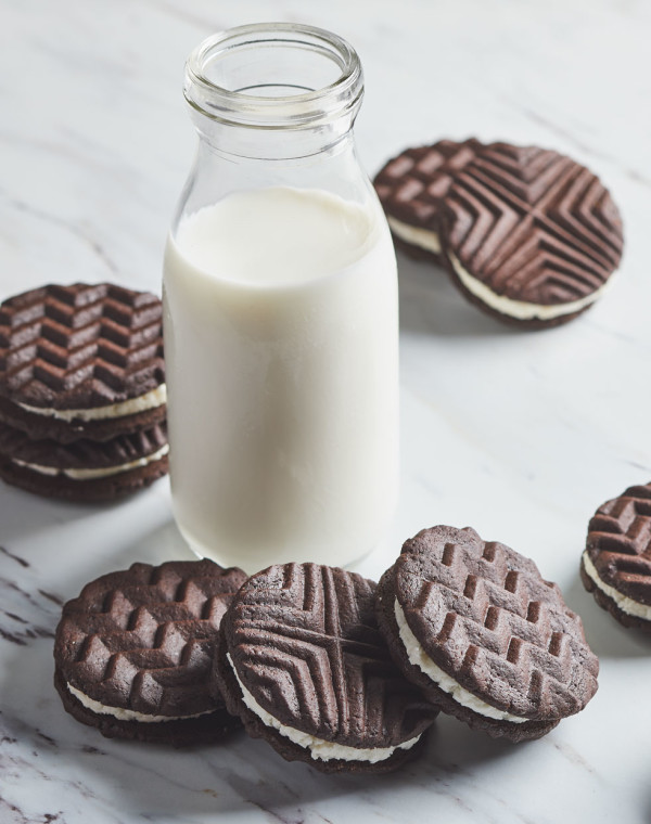 Cocoa Dunkers with Vanilla Cream Filling