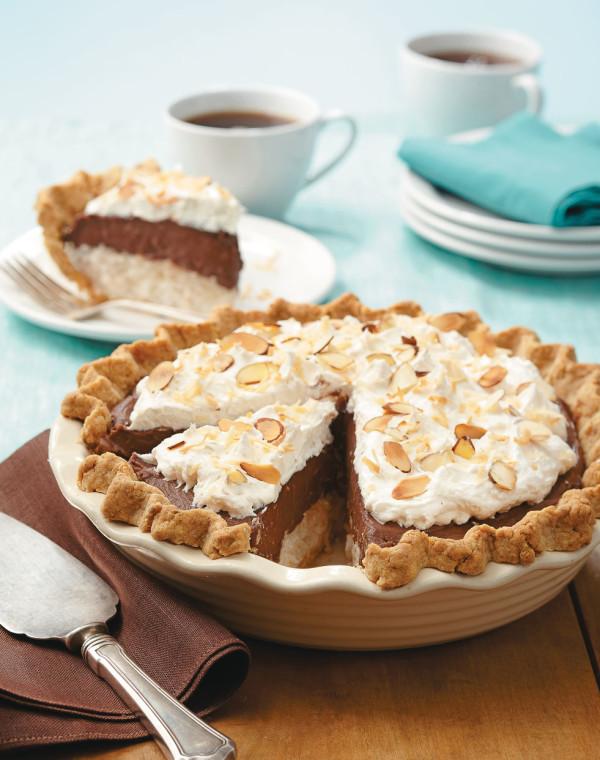 Chocolate-Coconut Candy Bar Cream Pie