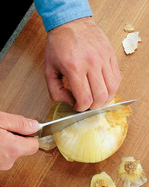 Tips-How-to-Chop-Onions2