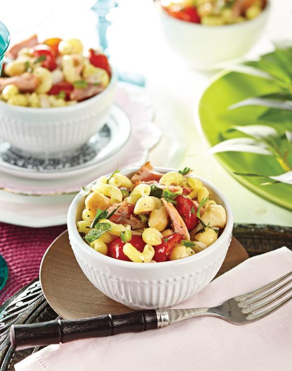 Lomi Macaroni Salad with smoked salmon