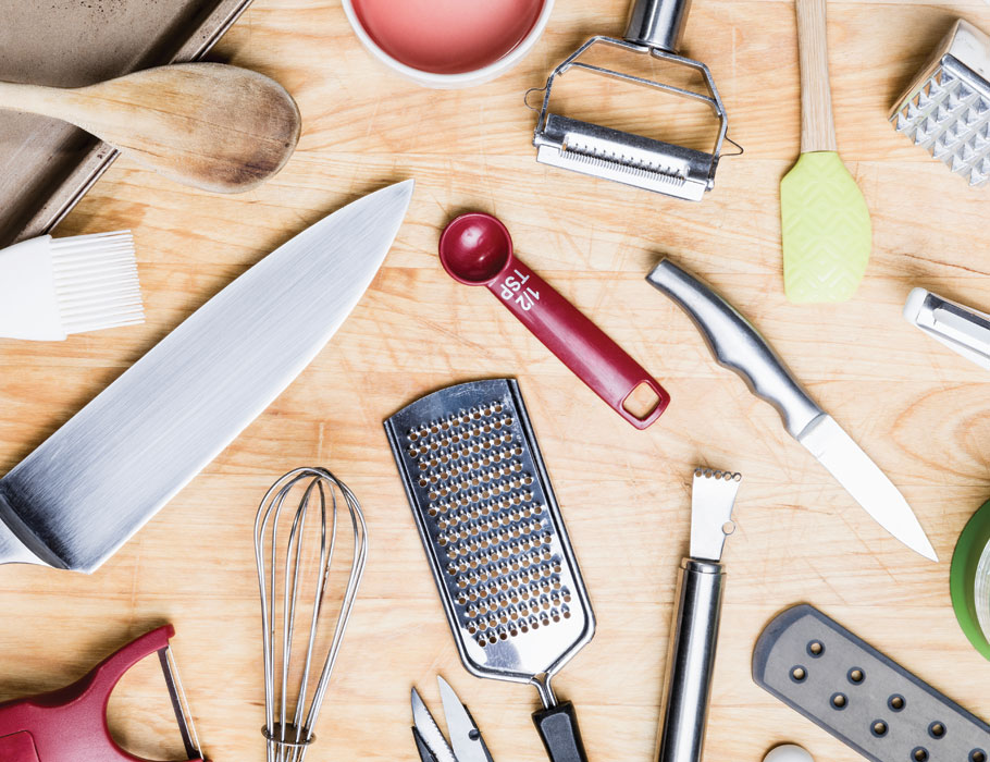 Article-15-Essential-Kitchen-Tools-Lead