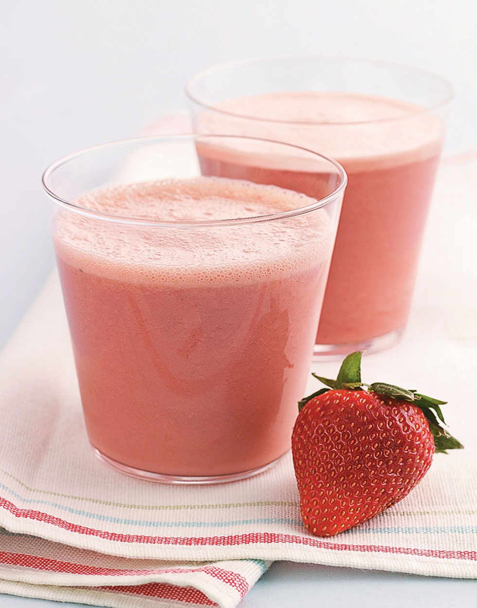 Strawberry-Buttermilk Smoothies
