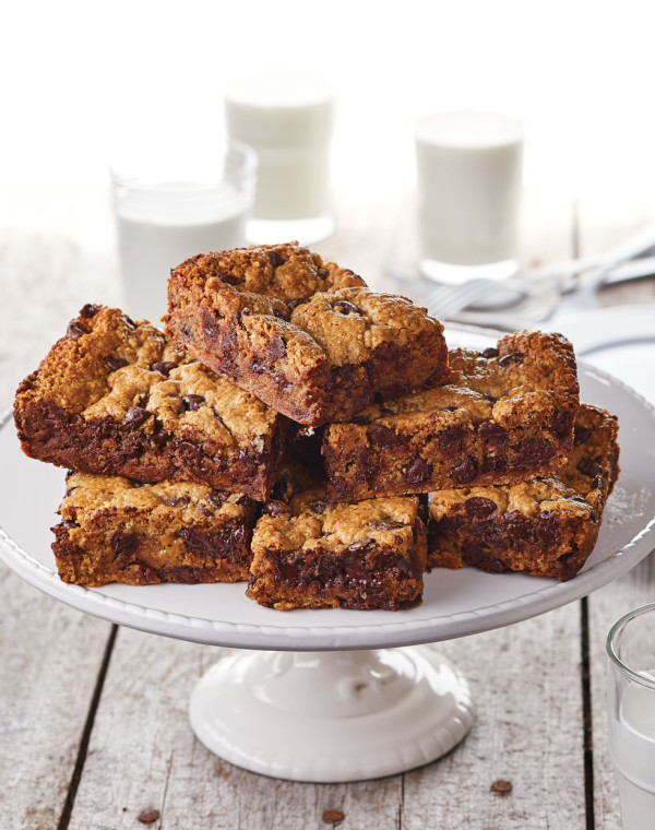 Graham Cracker Brownies with Chocolate Chips