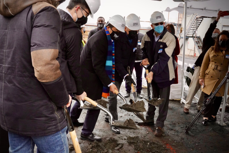 Andrew joined a groundbreaking for a new battery storage facility in Brooklyn.