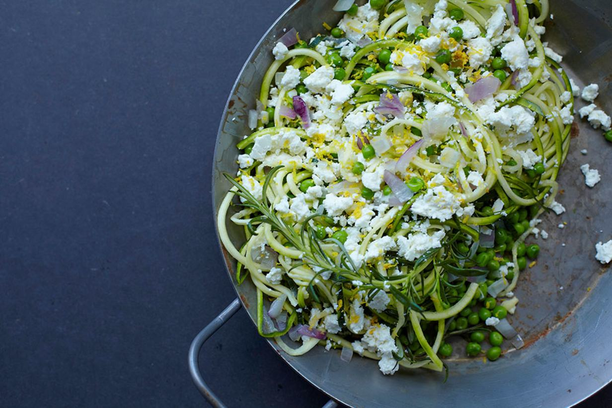 zoodles with creamy feta sauce