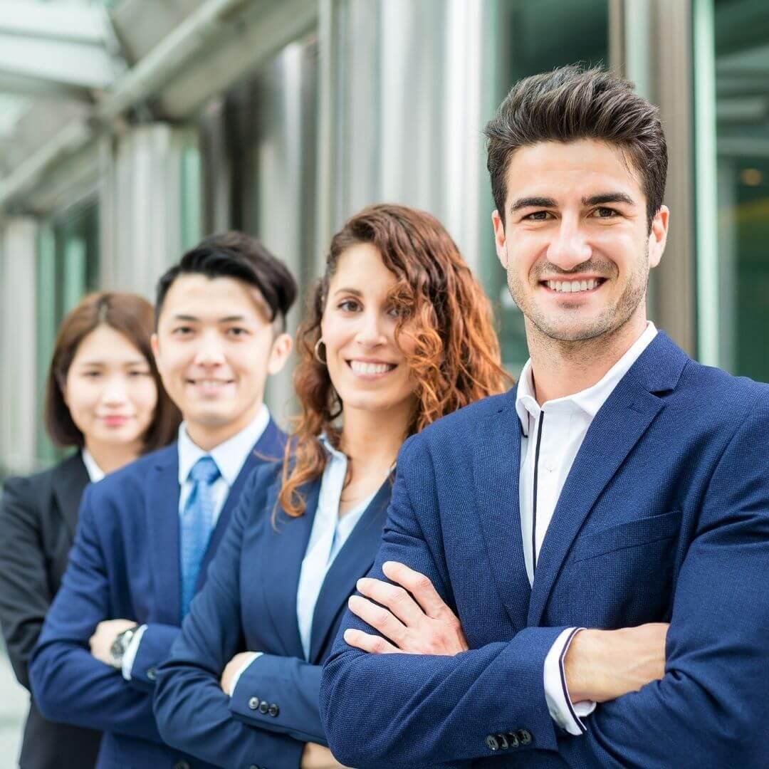 4 professionnels