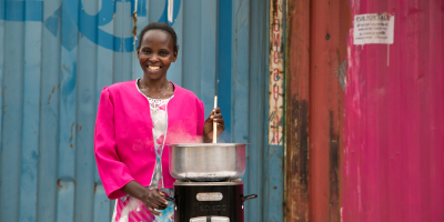 Roda uses her BURN clean cooking stove in Kenya