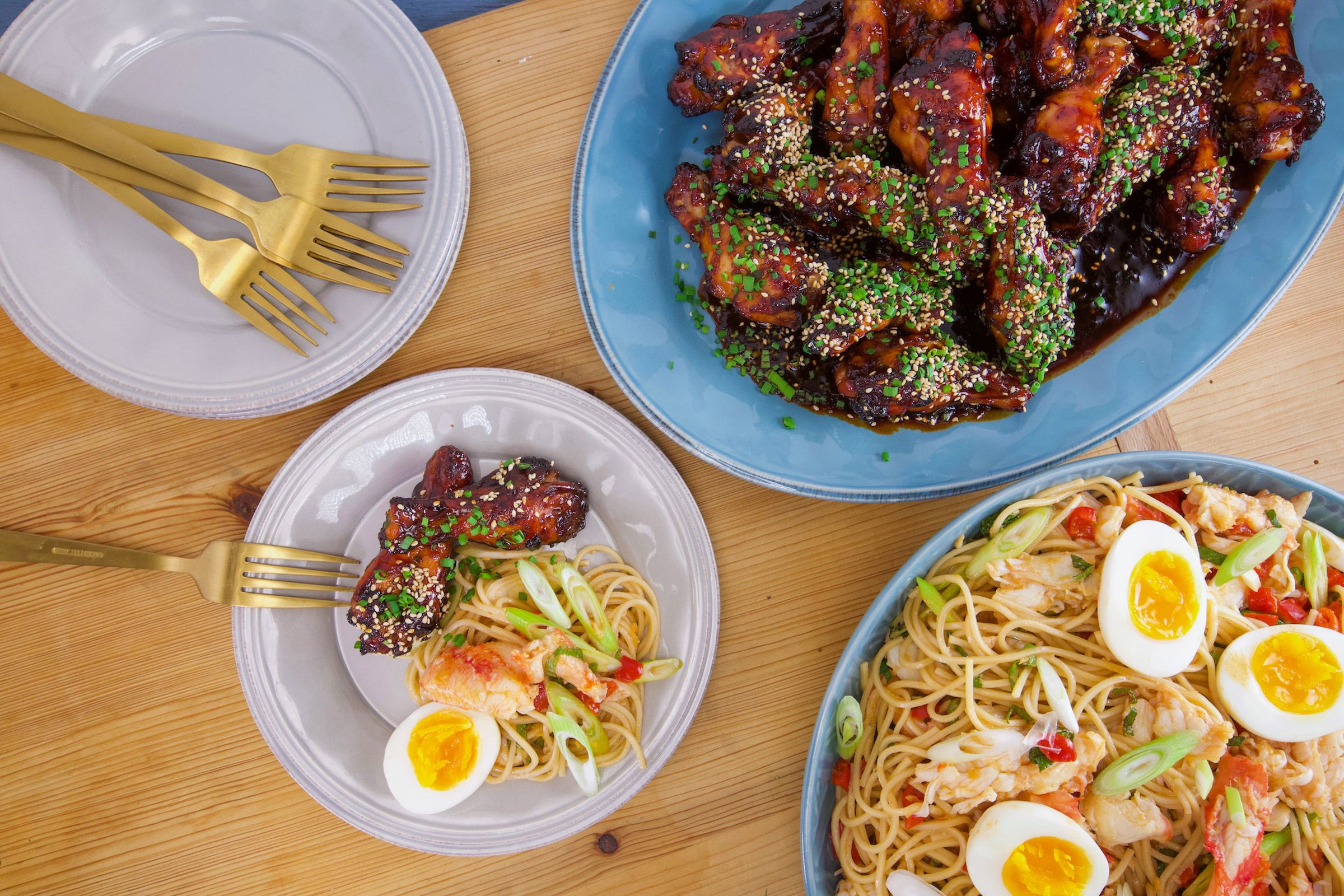 Hot and Cold: Rachael's Japanese Hot and Sticky Chicken Wings and Cold n Spicy Crab Ramen
