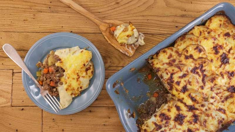 Cottage Pie Topped with Scalloped Potatoes