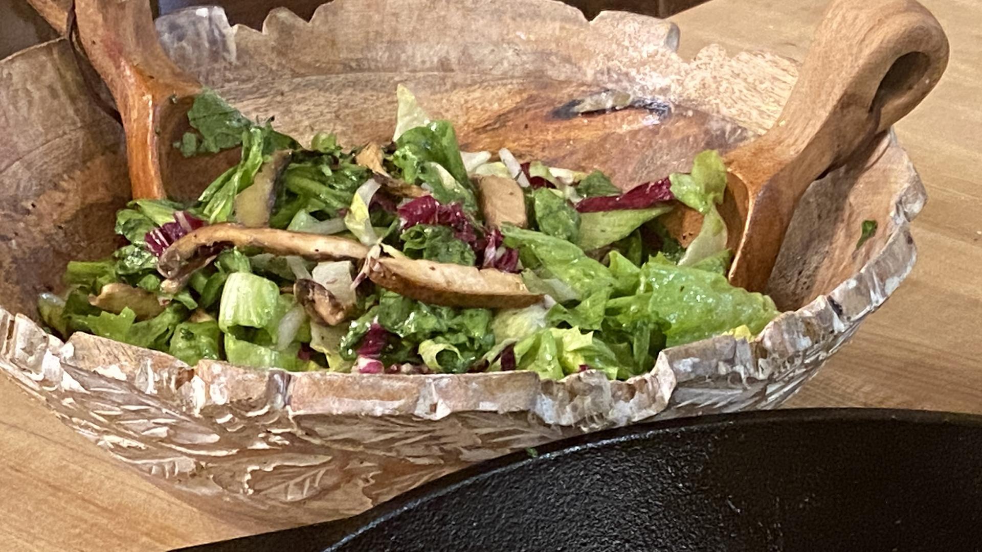 Raw Mushroom & Escarole Salad