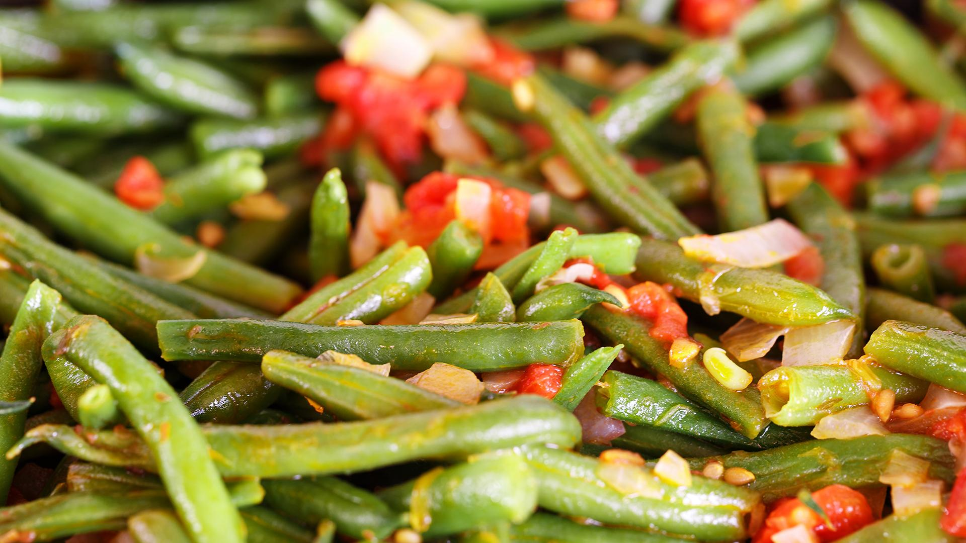 Green Beans With Onion & Tomatoes