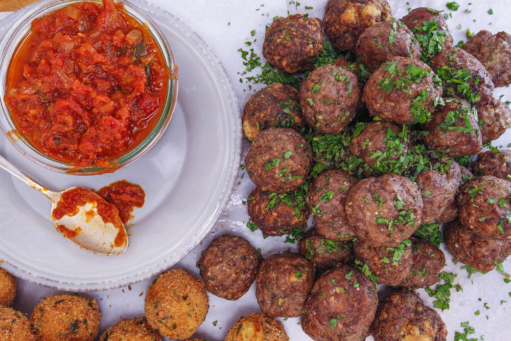 Meatballs with Mint and Garlic