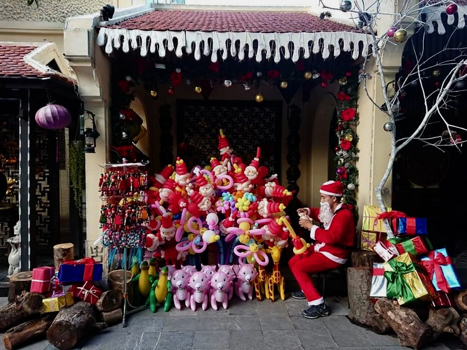 Christmas shop vietnam