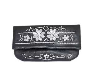 FlowerClutch Blacksilver Front