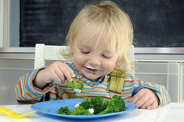 Kinder dazu bringen Gemüse zu essen