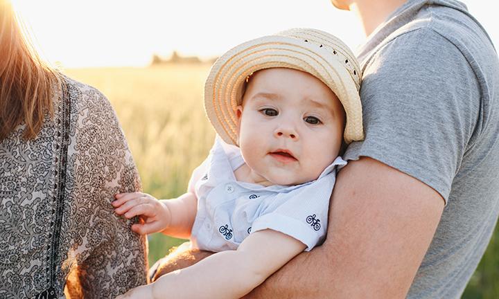 Prävention und Behandlung von Sonnenbrand bei Babys