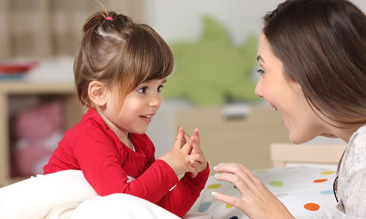 Fingerspiel mit Baby