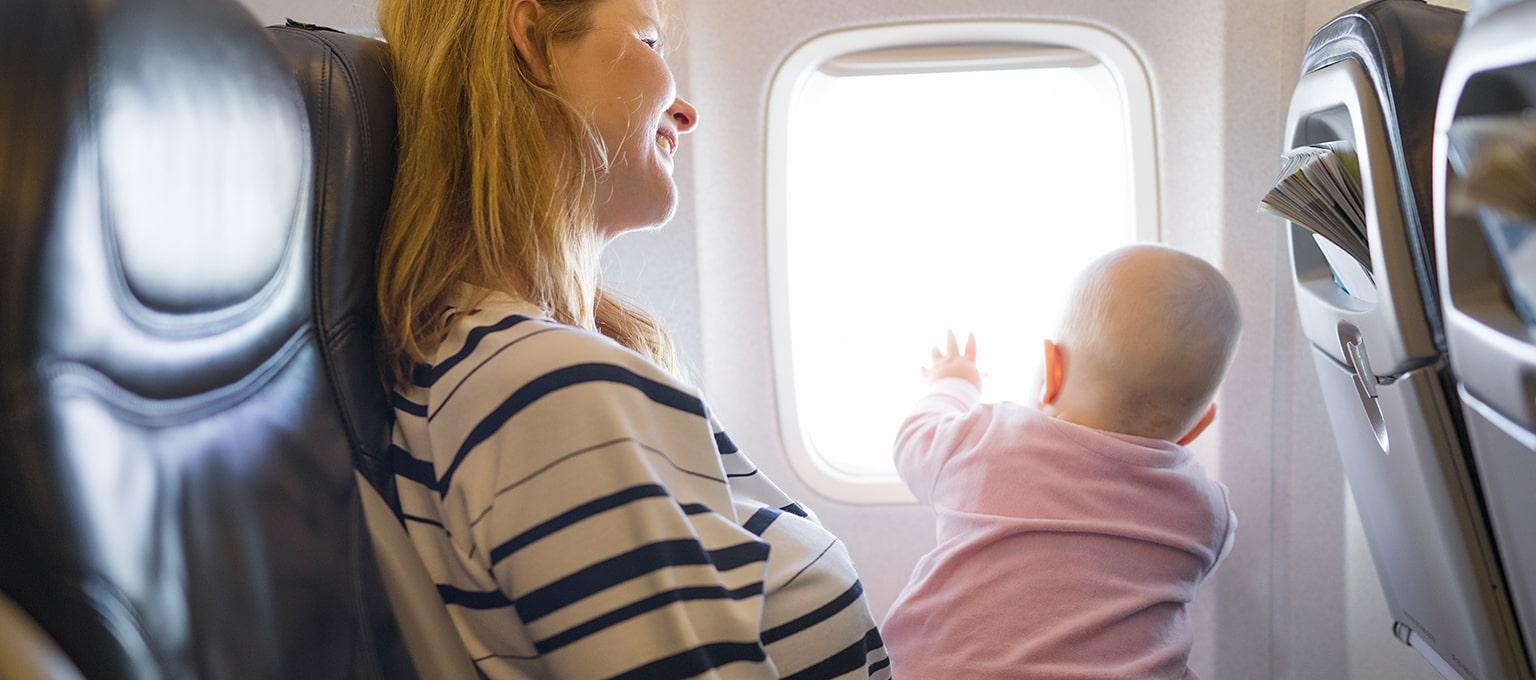 So entspannt kann Fliegen mit Baby sein