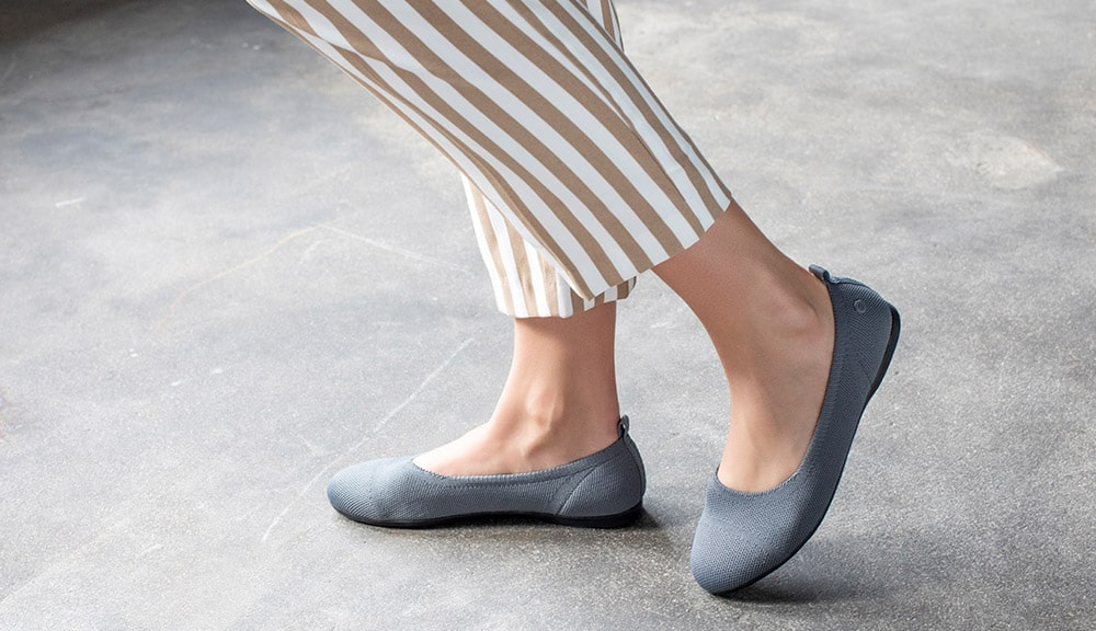 How to wear flat shoes at work