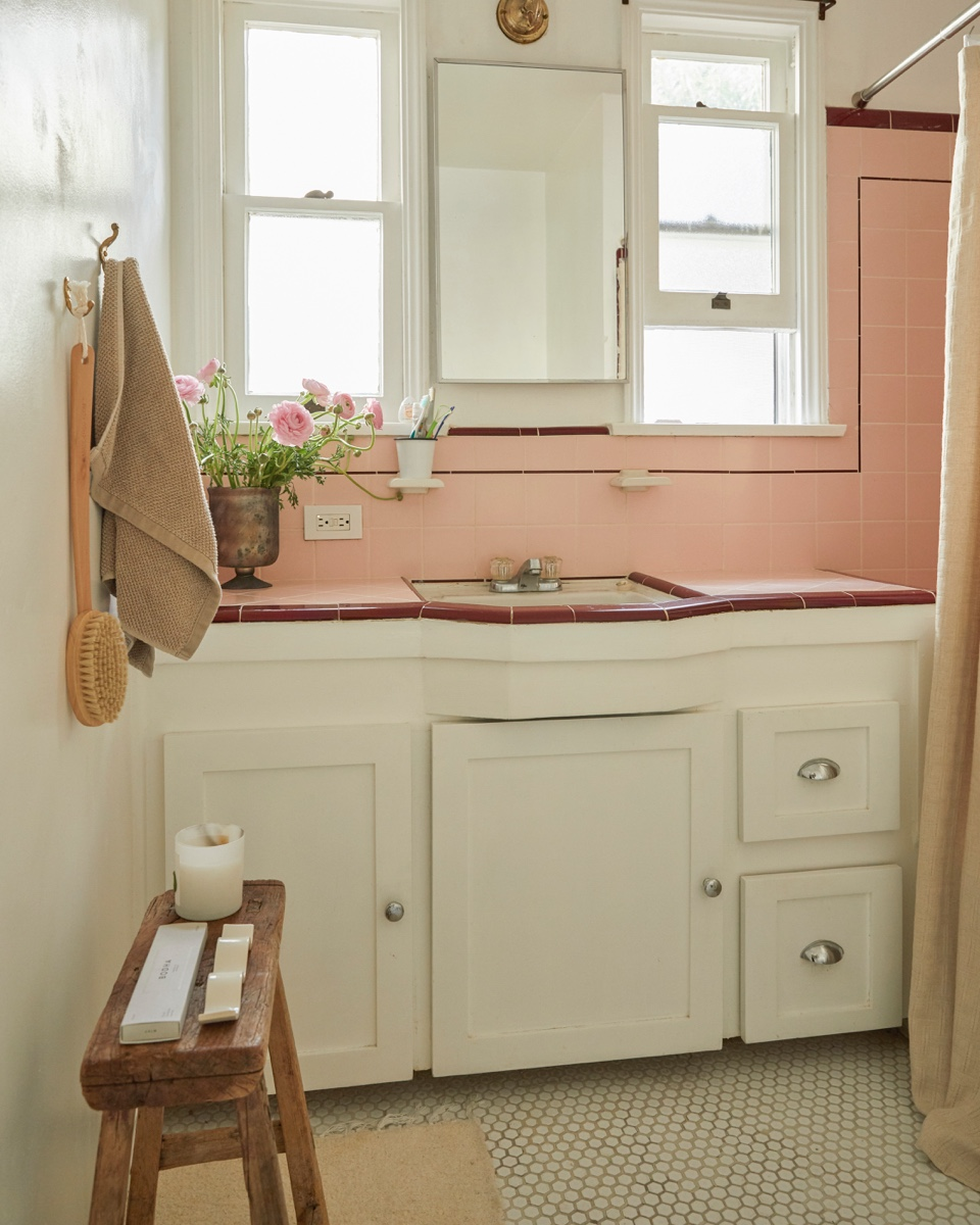 The charming pink bathroom.