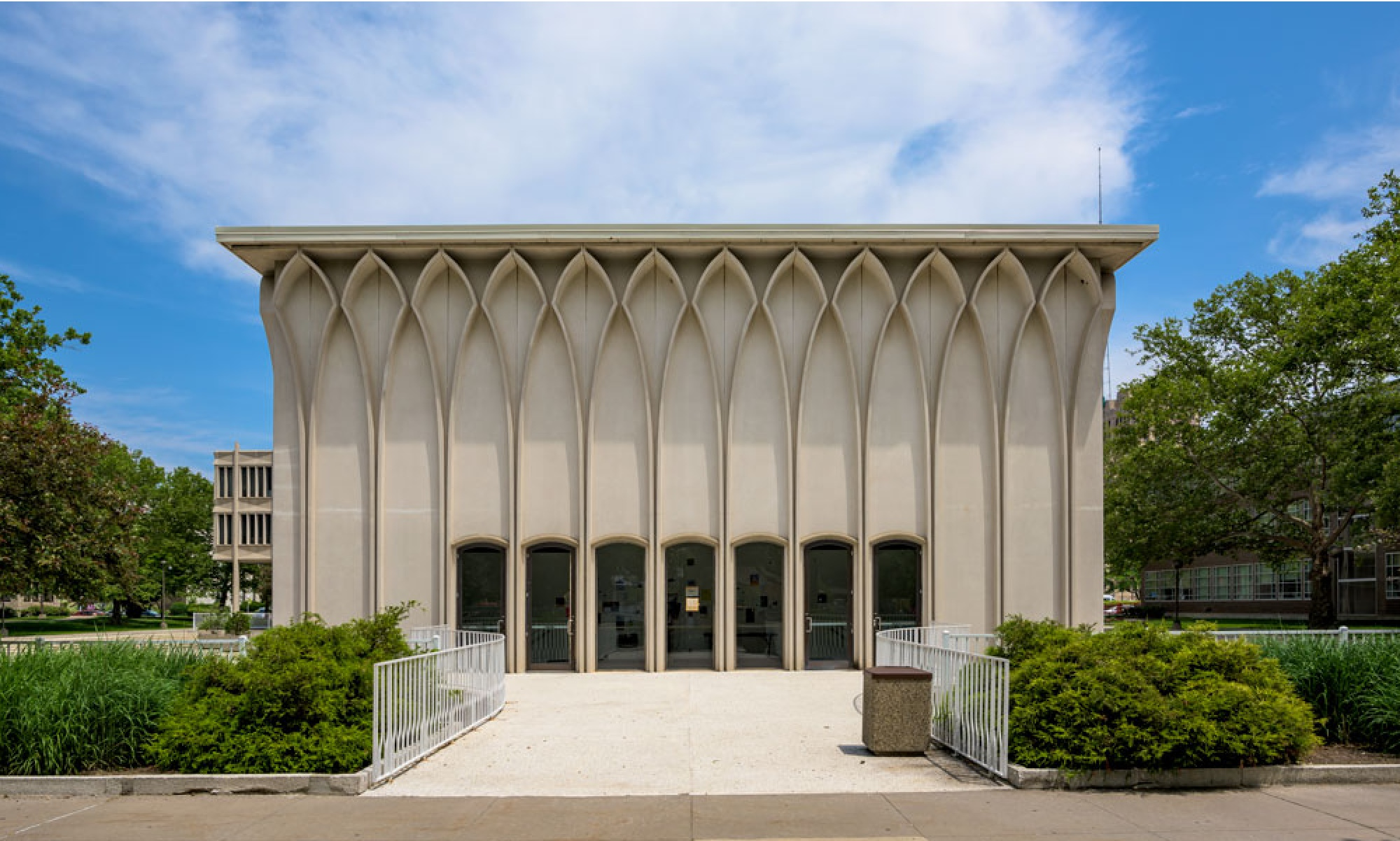 The Helen L. Deroy Auditorium, on the Wayne State campus. Image via the Wayne State University Yamasaki Legacy.