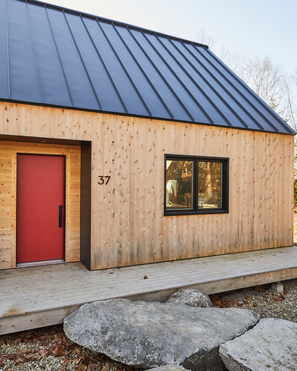 The exterior of Stella House was inspired by Scandinavian cabins and its natural surroundings.