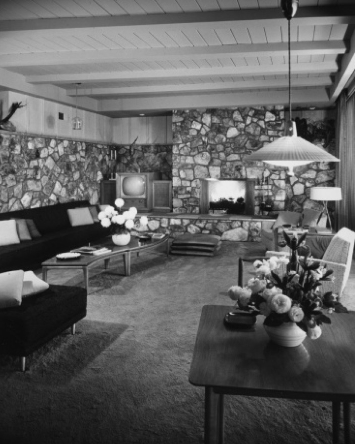 The interior of the Lucille Ball & Desi Arnaz home. Image via the Paul Revere Williams Project.