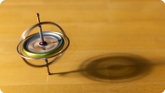 SimINERTIAL spinning-gyroscope-870x490