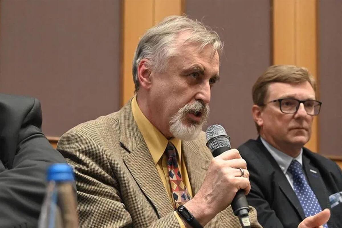 Prof. Tadeusz Pieńkowski, kier. Kliniki Onkologii i Chorób Piersi CMKP w Centralnym Szpitalu Klinicznym MSWiA w Warszawie
