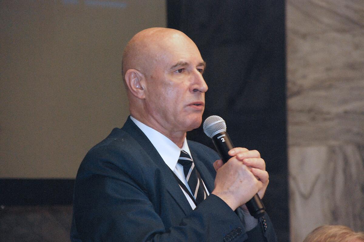 Profesor Janusz Heitzman