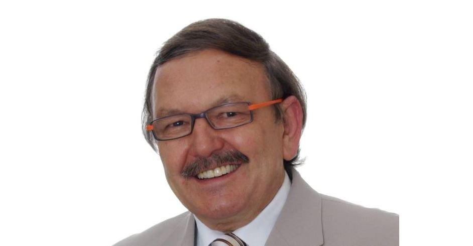 prof. dr hab. n. med. Romuald Olszański, specjalista dermatologii, alergologii, medycyny morskiej i tropikalnej