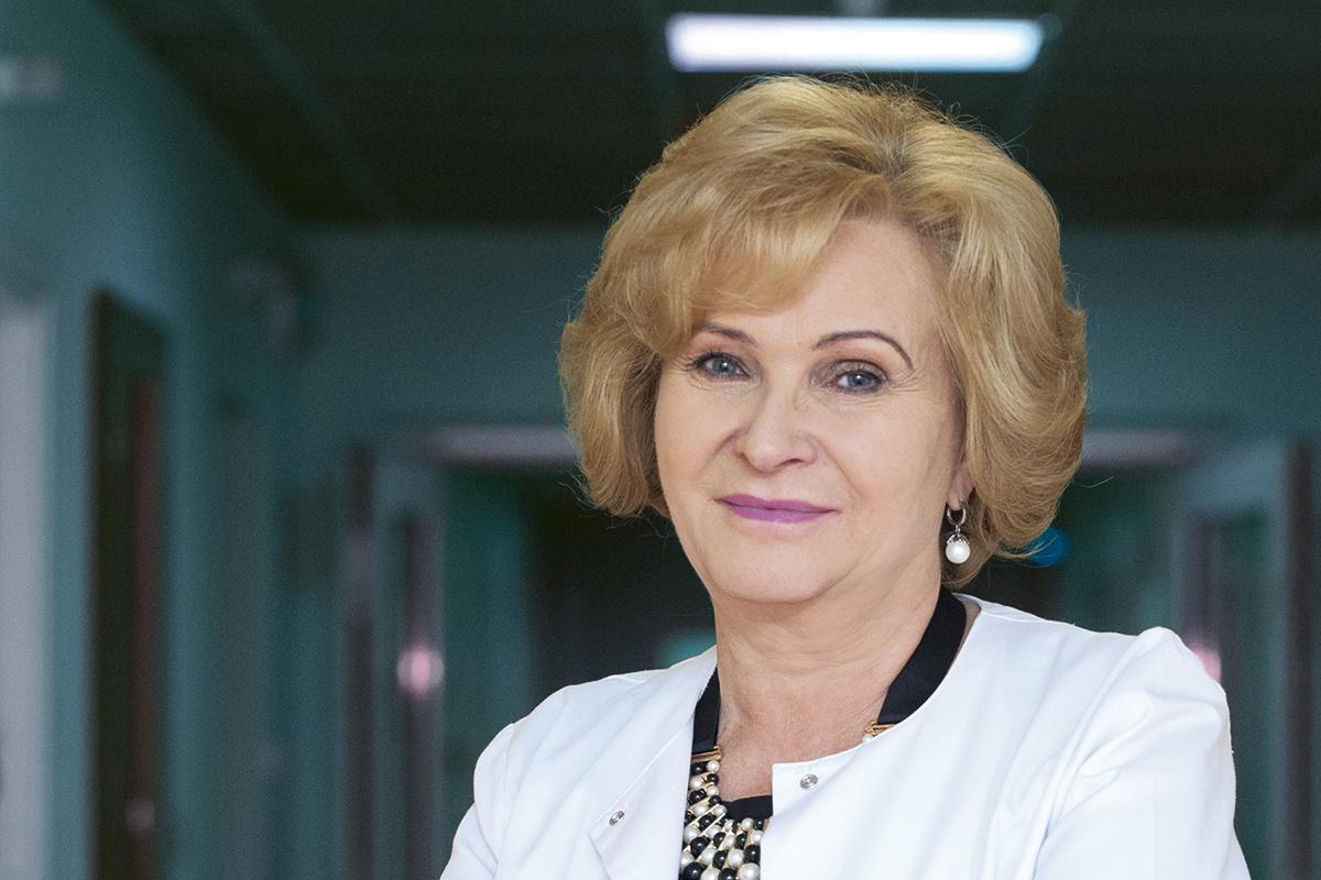 prof. dr hab. n. med. Grażyna Rydzewska, kierownik Kliniki Chorób Wewnętrznych i Gastroenterologii CSK MSWiA, prezes ZG Polskiego Towarzystwa Gastroenterologicznego