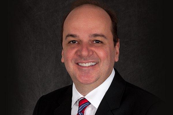 Dr. Renato Leonardo