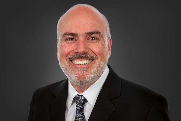 Dr. Carlos Ramos