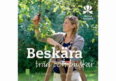 Boken Beskära träd och buskar hjälper dig när du ska beskära. Foto: ICA Bokförlag