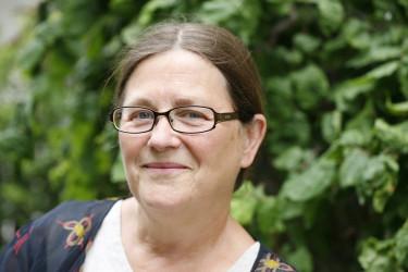 Lena Månsson, författare och lärare på trädgårdsmästarutbildningen i Enköping. Foto: Marie Lindell