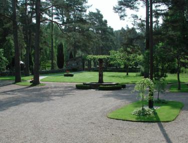 Stålkant mellan grus och gräs.Foto: Bernt Svensson