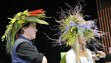 Även den tävlande floristens egen hatt var häftig!