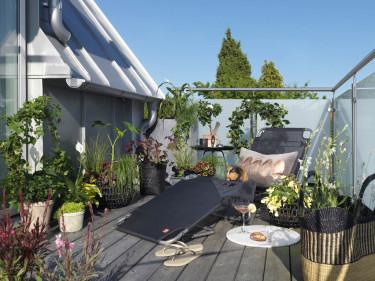 Hotellkänsla på balkongen. Foto: Blomsterfrämjandet/Peter Carlsson