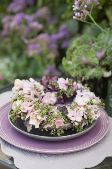 Fläder- och hortensiakrans. Foto: Blomsterfrämjandet