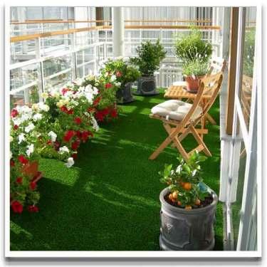 Konstgräs är mjukt, ger ett lummigt intryck och är lätt att lägga.  Foto: Balkongshoppen