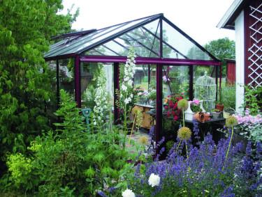 En plats för avkoppling eller odlingsflit? Eller en kombination av båda? Foto: Willab Garden.